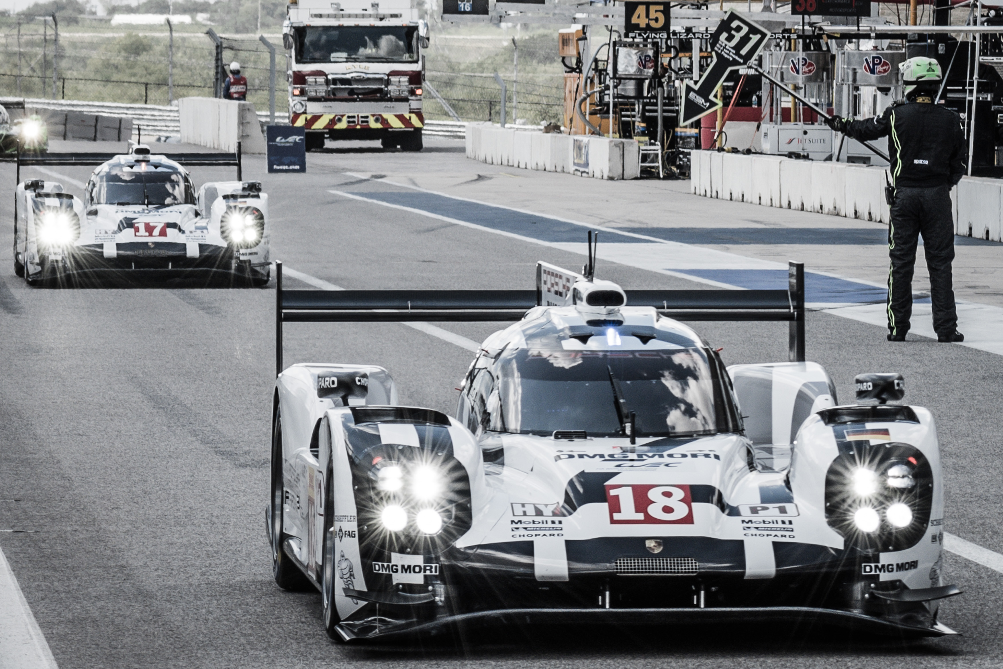 Car #18 / PORSCHE TEAM (DEU) / Porsche 919 Hybrid Hybrid / Romain Dumas (FRA) / Neel Jani (CHE) / Marc Lieb (DEU) Free Practice 1 - 6 Hours of COTA at Circuit Of The Americas - Austin - Texas - USA